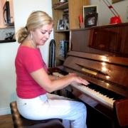 Svitlana - Online Piano  teacher