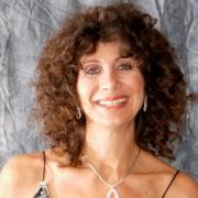 Roslyn - Online Piano  teacher