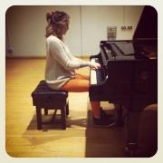 Rosie - Online Piano Viola Violin  teacher
