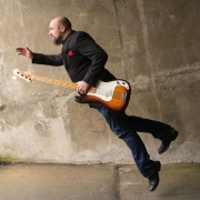 David - Online Electric Bass Electric Guitar Guitar Drumset Double Bass Composition Singer-Songwriter  teacher
