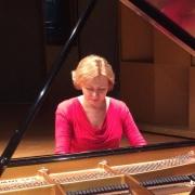 Svetlana - Online Organ Piano  teacher