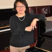 Roseanna - Online Piano  teacher