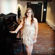 Lillian - Online Composition Piano Singer-Songwriter Ukulele Voice  teacher