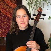 Susana - Online Cello  teacher
